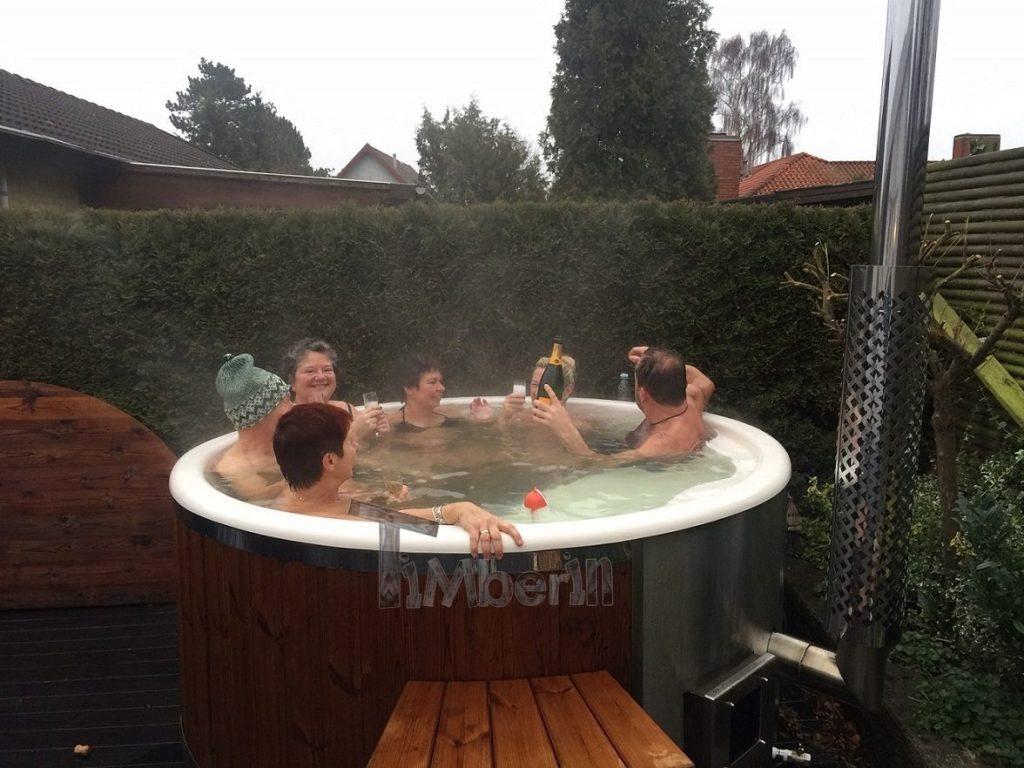 vildmarksbad i glasfiber termotrae med integreret ovn wellness royal kent greve danmark 2