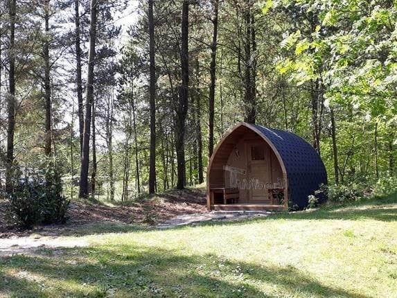 Udendørs sauna Igloo design og Vildmarksbad Wellness Royal i glasfiber Termotræ Charlotte Blåvand Denmark 1