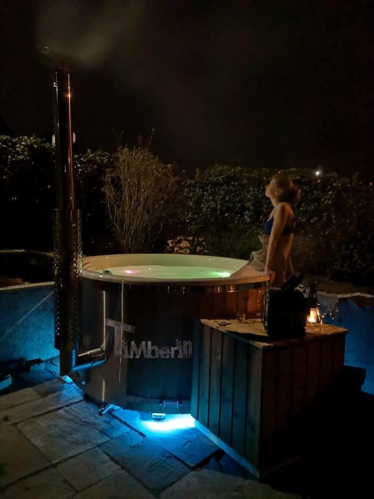 Vildmarksbad i glasfiber Termotræ med integreret ovn Wellness Royal Christiffer Ikast Danmark 1