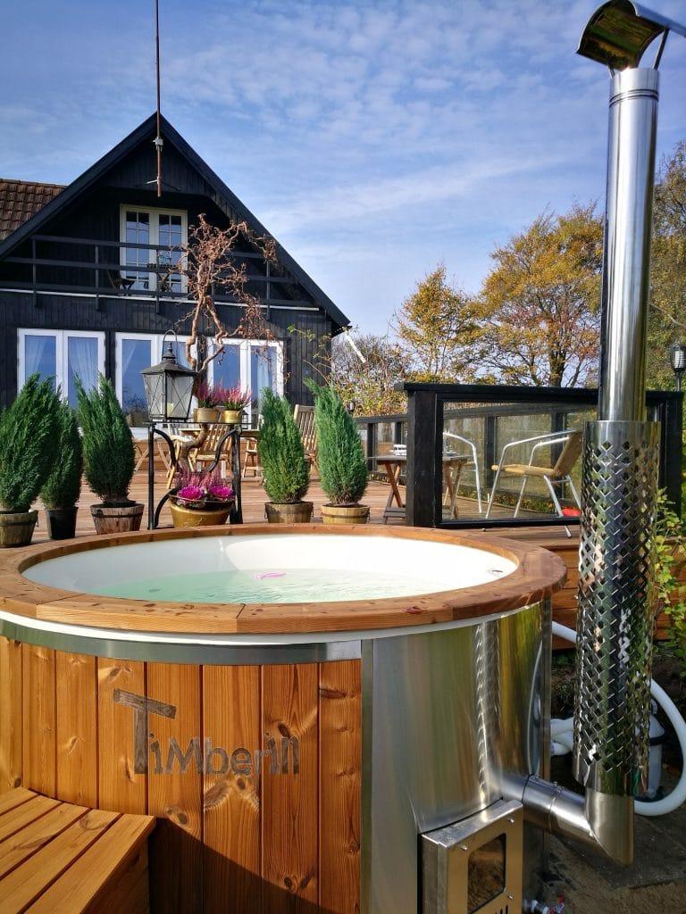 Vildmarksbad i glasfiber Termotræ med integreret ovn Wellness Royal Per Kent Jystrup Danmark 1