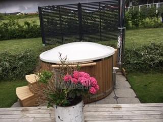 Vildmarksbad i glasfiber Termotræ med integreret ovn Wellness Royal PailleKarrebæksminde Danmark 2