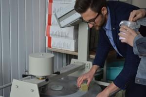 Materialernes egenskaber. Justering af glasfiberblandingens reologiske egenskaber. Testning af bindingsstyrken for limet træ (9)